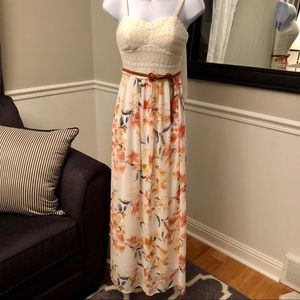 🌿Lily Rose Belted Maxi Dress!